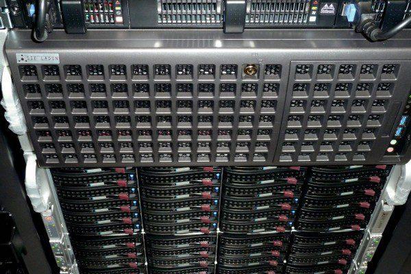 Vista frontal del cluster HPC Universidad Pablo Olavide