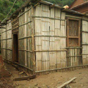 reconstruccion de una casa en Sakar, Nepal